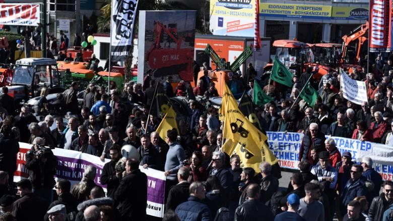Θεσσαλονίκη: Αγρότες και κτηνοτρόφοι έκλεισαν την Εγνατία Οδό