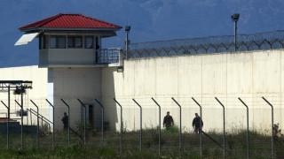 Απίστευτο περιστατικό στις φυλακές Τρικάλων: Έριξαν με drone ναρκωτικά και κινητά