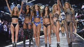 Victoria's Secret: Πρώην υψηλόβαθμο στέλεχος κατηγορείται για σεξουαλική παρενόχληση μοντέλων