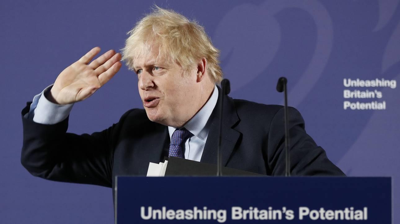 Άρχισαν... τα όργανα του Brexit: Με μη συμφωνία στο ελεύθερο εμπόριο απειλεί το Λονδίνο