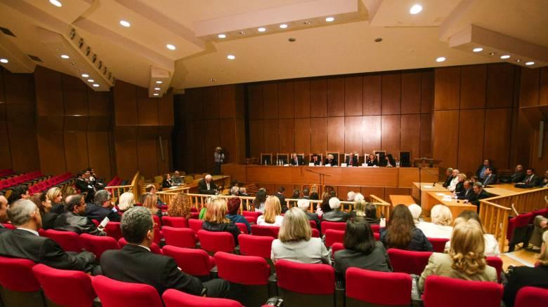 Ομαδικές αγωγές από δικαστές για επαναφορά της φοροαπαλλαγής του 25% των αποδοχών τους