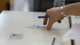 Νέες ταυτότητες: Η ηλεκτρονική υπογραφή, η ασφάλεια και το κόστος