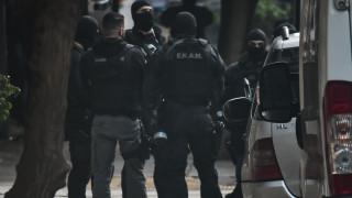 Αστυνομική επιχείρηση στα Εξάρχεια με συλλήψεις και προσαγωγές