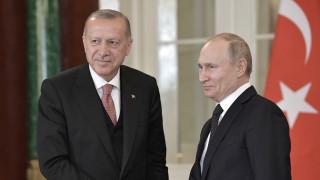Ερντογάν σε Πούτιν: Σε νέα επίθεση κατά Tούρκων στρατιωτών, θα απαντήσουμε