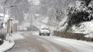 Καιρός: Έντονη κακοκαιρία «σαρώνει» τη χώρα - Πού θα χιονίσει τις επόμενες ώρες
