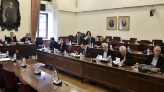 Διαφωνεί η ΝΔ με το αίτημα του ΚΙΝΑΛ να καταθέσει ως «ύποπτη» η Τουλουπάκη