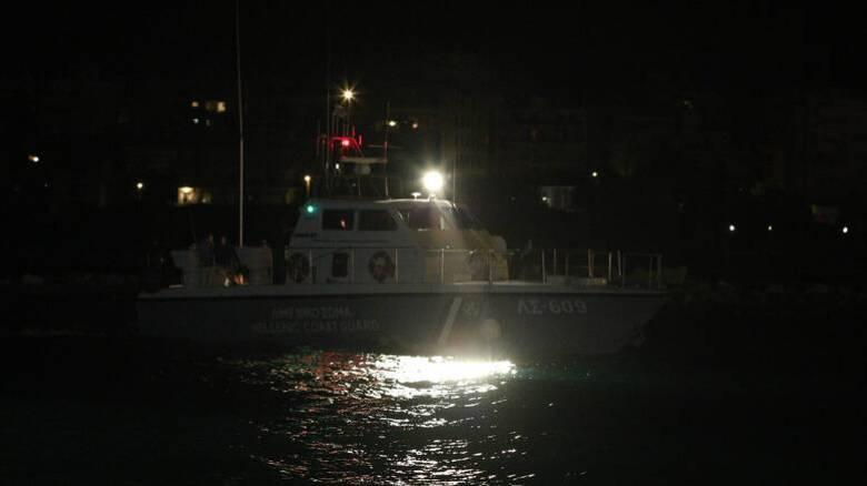 Πέραμα: Ανήλικος έπεσε στη θάλασσα για να αποφύγει έλεγχο αστυνομικών