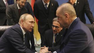 Η Άγκυρα ζητά παρέμβαση Πούτιν για να σταματήσουν οι εχθροπραξίες στην Ιντλίμπ