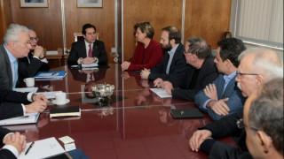 Το προσφυγικό στη συνάντηση της κυβέρνησης με αντιπροσωπεία του ΣΥΡΙΖΑ