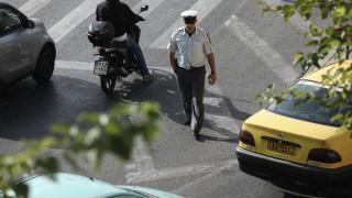 Δεκάδες κλήσεις σε Αθήνα - Πειραιά για στάθμευση σε ράμπες ΑΜΕΑ