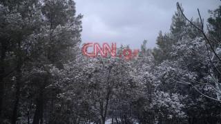 Καιρός: Στα «λευκά» ξύπνησαν τα βόρεια προάστια - Εντυπωσιακό το σκηνικό στην Πολιτεία
