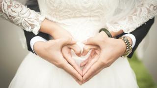 Έρευνα ΣΕΒ: Πρώτοι σε… γάμους συμφέροντος οι Έλληνες
