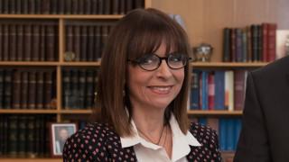 Δεν τίθεται θέμα πολιτικού όρκου για την Αικατερίνη Σακελλαροπούλου
