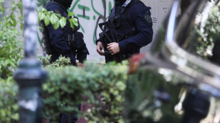 Βουλιαγμένη: Κατήγγειλε πως έπεσε θύμα ληστείας από ένοπλους - Ερωτήματα από την ΕΛ.ΑΣ.
