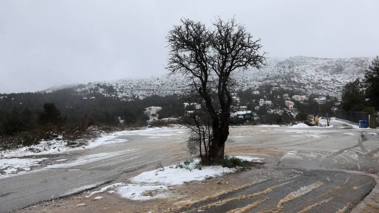Καιρός: Πού αναμένονται σήμερα χιονοπτώσεις και βροχές