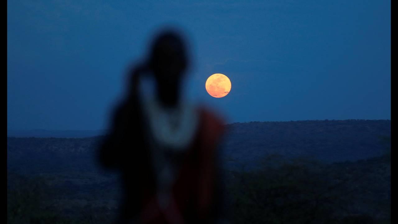 https://cdn.cnngreece.gr/media/news/2020/02/08/206897/photos/snapshot/SUPERMOON-SIGHTING-KENYA.jpg