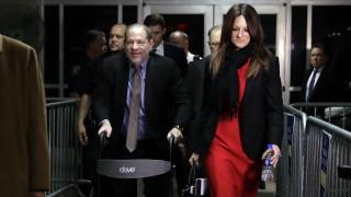 «Δεν δέχθηκα σεξουαλική επίθεση γιατί ποτέ δεν το επέτρεψα»: Η δικηγόρος του Γουάινστιν «ξαναχτυπά»