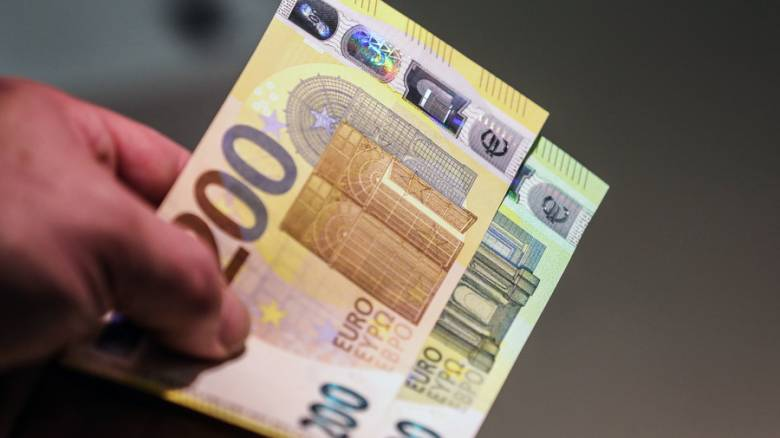 Ελάχιστο εγγυημένο εισόδημα: Πότε θα καταβληθούν τα χρήματα