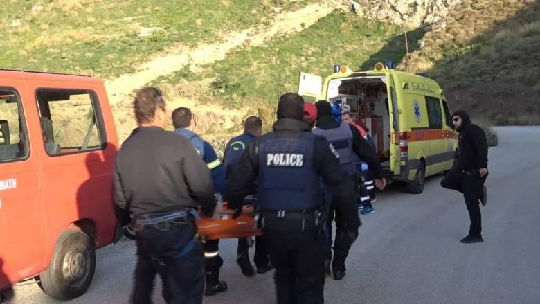 Ακροκόρινθος: Ανταλλαγή πυροβολισμών μεταξύ αστυνομικών και κακοποιών με δύο τραυματίες