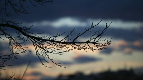 Καιρός: Άνοδος της θερμοκρασίας και λίγες βροχές