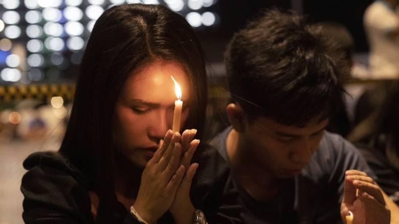 Συγκλονιστική μαρτυρία από την Ταϊλάνδη: «Ακούω ακόμη πυροβολισμούς»