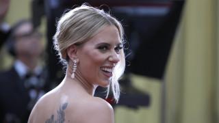Όσκαρ 2020: Η Σκάρλετ Γιόχανσον με σκουλαρίκια των 2,5 εκατομμυρίων δολαρίων