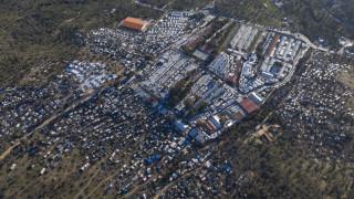 «Θύελλα» αντιδράσεων νησιωτών και αντιπολίτευσης για την επίταξη και τα κέντρα προσφύγων