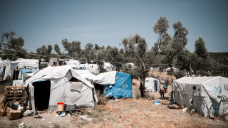 Νέα κέντρα προσφύγων: Ομάδες περιφρούρησης και προσφυγές κατά της επίταξης εκτάσεων