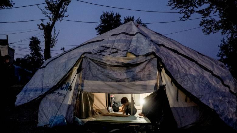 Νέα κέντρα προσφύγων: Η περιφέρεια του Β. Αιγαίου διακόπτει κάθε συνεργασία με την κυβέρνηση