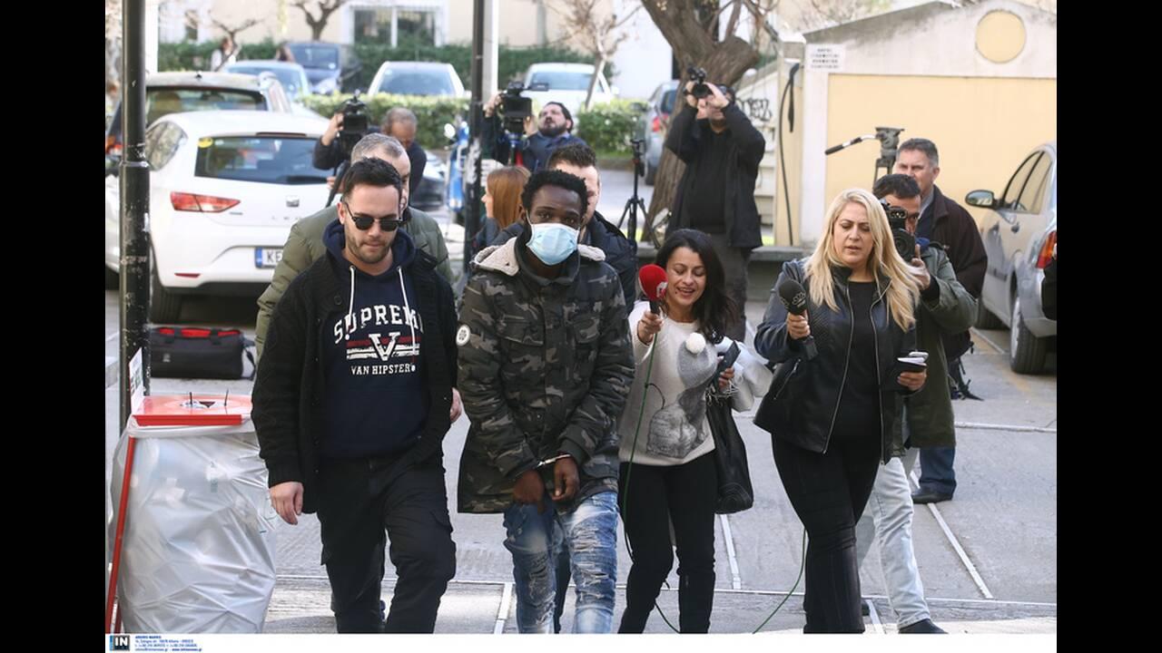https://cdn.cnngreece.gr/media/news/2020/02/12/207393/photos/snapshot/pateras-valentin-5.jpg