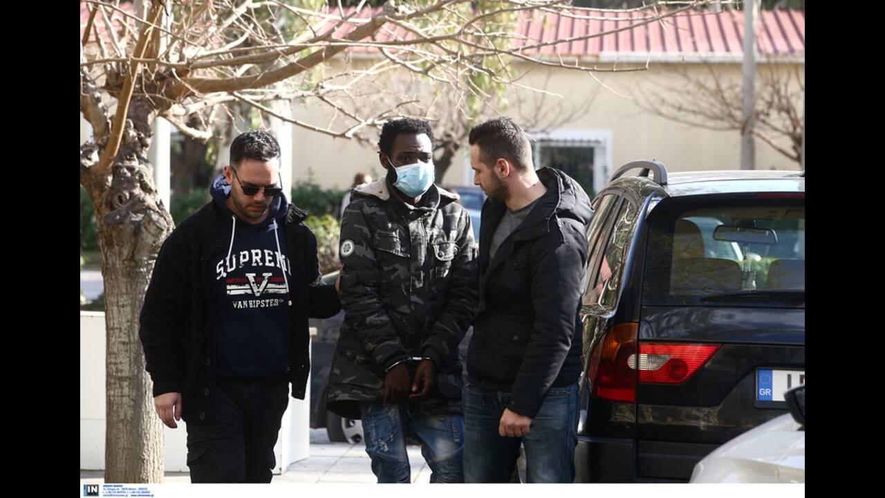 https://cdn.cnngreece.gr/media/news/2020/02/12/207393/photos/snapshot/pateras-valentin-9.jpg