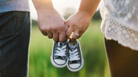 Επίδομα γέννησης: Πότε καταβάλλεται η πρώτη δόση στους δικαιούχους