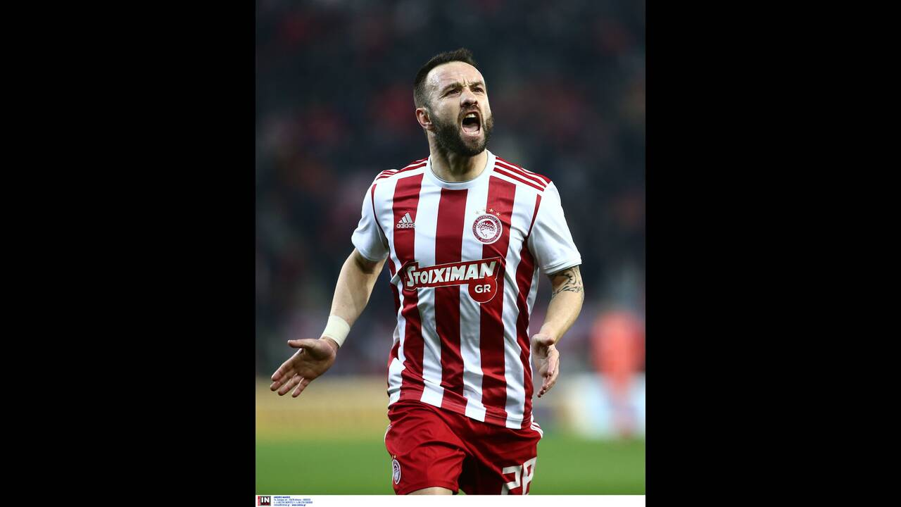 https://cdn.cnngreece.gr/media/news/2020/02/12/207436/photos/snapshot/olympiacos-lamia-7.jpg