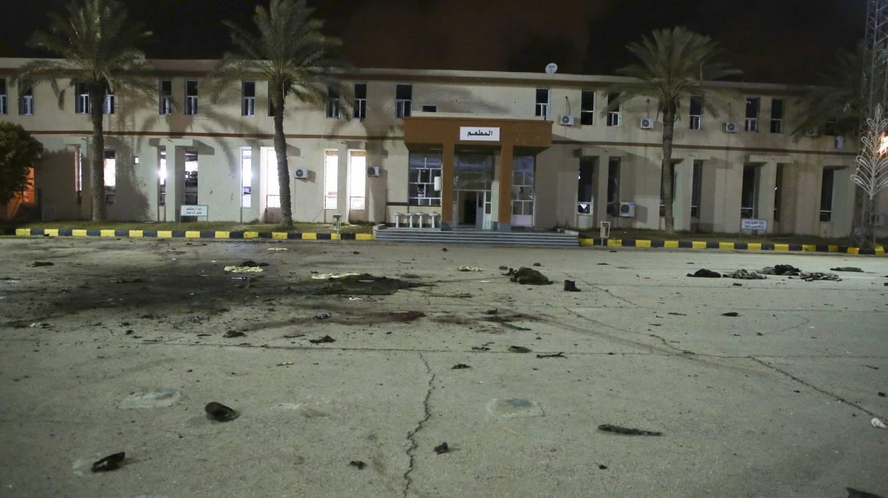 Λιβύη: Οι δυνάμεις του Χαφτάρ απαγορεύουν στον ΟΗΕ να χρησιμοποιεί το αεροδρόμιο της Τρίπολης