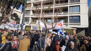 «Ηφαίστειο» το προσφυγικό - Στην Αθήνα κατέβηκαν οι κάτοικοι