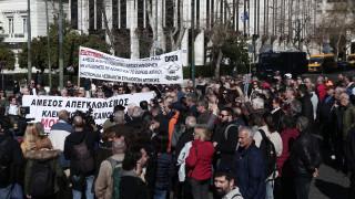 Προσφυγικό: «Δεν κάνουμε πίσω», διαμηνύουν οι νησιώτες από την Αθήνα
