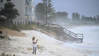 Αυστραλία: Οι σφοδρότερες καταιγίδες των τελευταίων χρόνων έσβησαν τις φωτιές