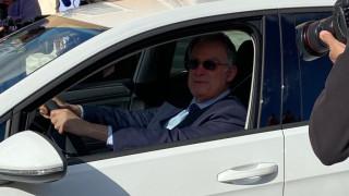 Test drive με ηλεκτρικό αυτοκίνητο από τον Πρόεδρο της Βουλής