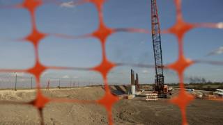 Το Πεντάγωνο αποδεσμεύει 3,8 δισ. δολάρια για την κατασκευή του τείχους στο Μεξικό