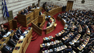Βουλή: «Φωτιά» στη συζήτηση για τα εργασιακά έβαλε το στικάκι του Βαρουφάκη