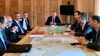 Συνάντηση του Κώστα Μπακογιάννη με τον πρόεδρο της ΕΤΕπ Βέρνερ Χόγερ
