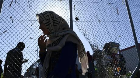 Δυο βήματα μπροστά, ένα πίσω στο προσφυγικό