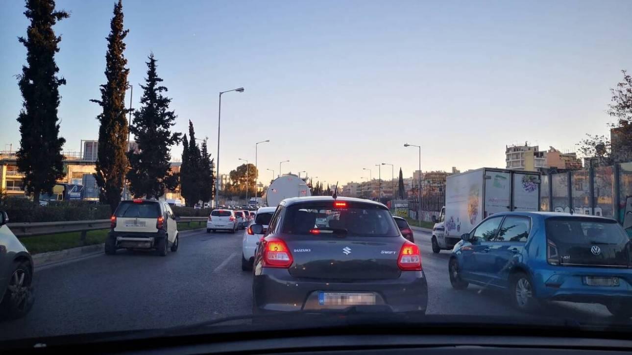 Απεργία ΜΜΜ: Κυκλοφοριακό χάος στους δρόμους της Αθήνας