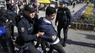 Τουρκία: Μπαράζ συλλήψεων κατά «Γκιουλενιστών» – Πάνω από 700 εντάλματα
