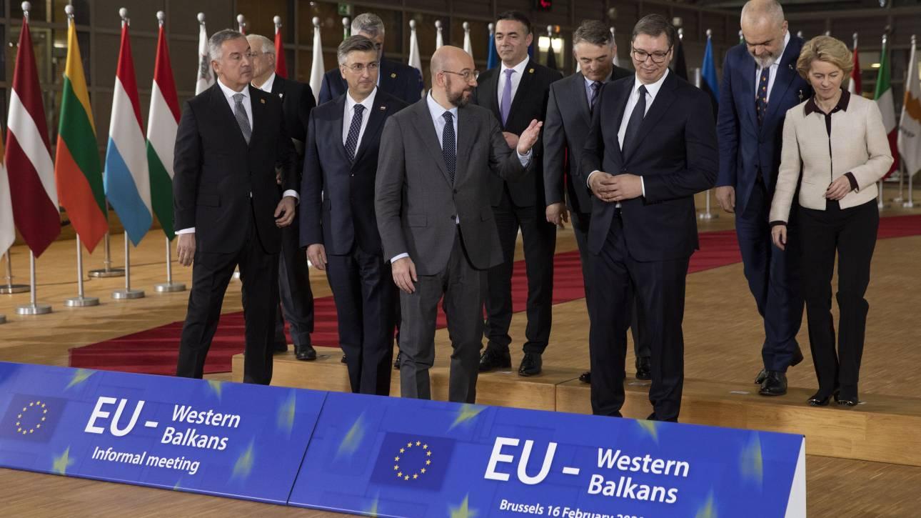 Επίτροπος ΕΕ: Βόρεια Μακεδονία και Αλβανία θα φέρουν σε πέρας τις μεταρρυθμίσεις