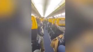 Τρόμος στον αέρα: Προσευχές και κλάματα σε πτήση «θρίλερ»