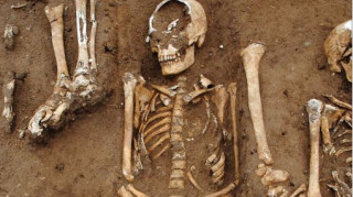 Μεσαιωνικός μαζικός τάφος με θύματα του «Μαύρου Θανάτου» εντοπίστηκε στην Αγγλία