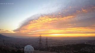 Fallstreak Hole: Το εντυπωσιακό καιρικό φαινόμενο στον ουρανό της Αθήνας