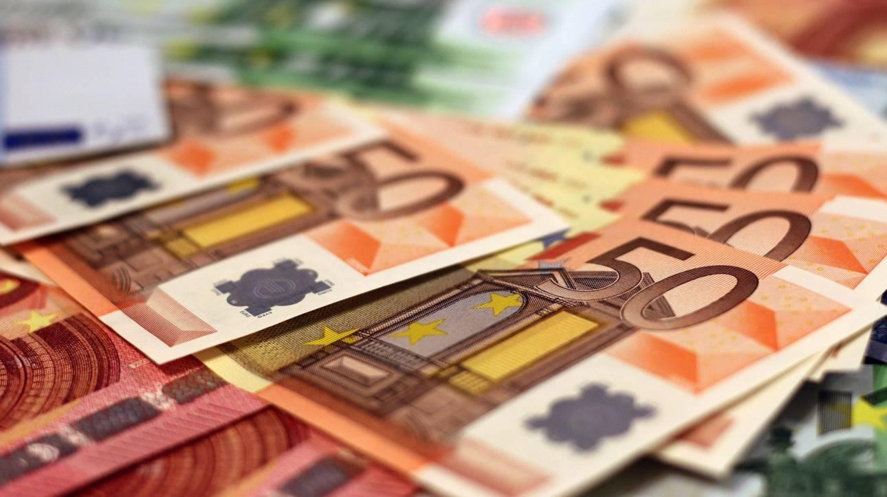 Στα 356 δισ. ευρώ το δημόσιο χρέος στο τέλος 2019