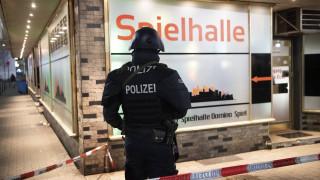 Γερμανία: Οι πρώτες εικόνες από τις πολύνεκρες επιθέσεις